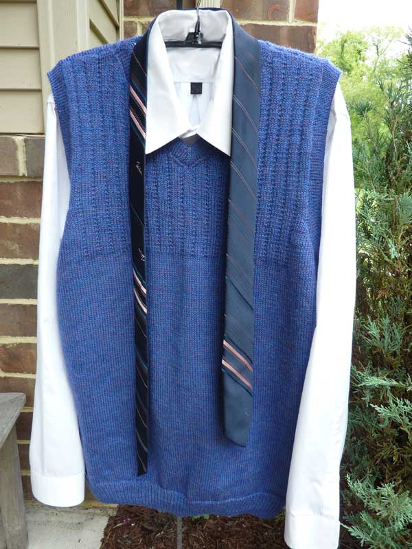 Man's Basic Vest - V neck - Dynamic Pattern
