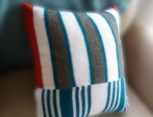 Modern Striped Pillow - Knit In Now Project